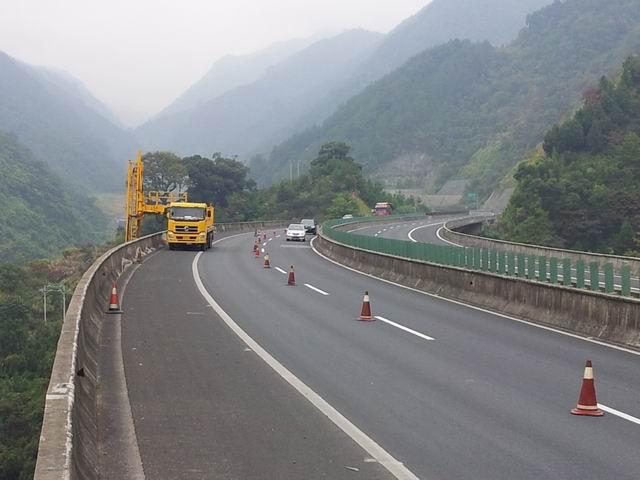 福银高速公路马腰格大桥
